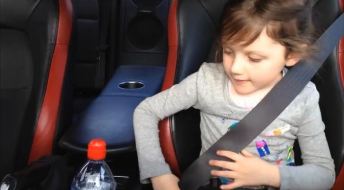 Priceless reactions of children aboad a 1000ps GT-R! 1000馬力GT-Rに乗った子供のプライスレスなリアクション